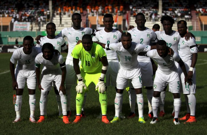 Football soccer - African Nations Cup qualifiers - Ivory Coast v Sudan - Felix Houphouet Boigny stadium, Abidjan, Ivory Coast - 25/03/2016 - Ivory Coast's team. REUTERS/Luc Gnago - RTSC9WQ
