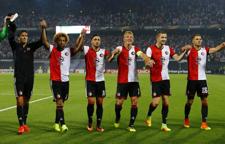 Football Soccer - Feyenoord v Manchester United - UEFA Europa League Group Stage - Group A - De Kuip Stadium, Rotterdam, Netherlands - 15/9/16 Feyenoord players celebrate at the end of the match Reuters / Michael Kooren Livepic EDITORIAL USE ONLY. - RTSNXGY