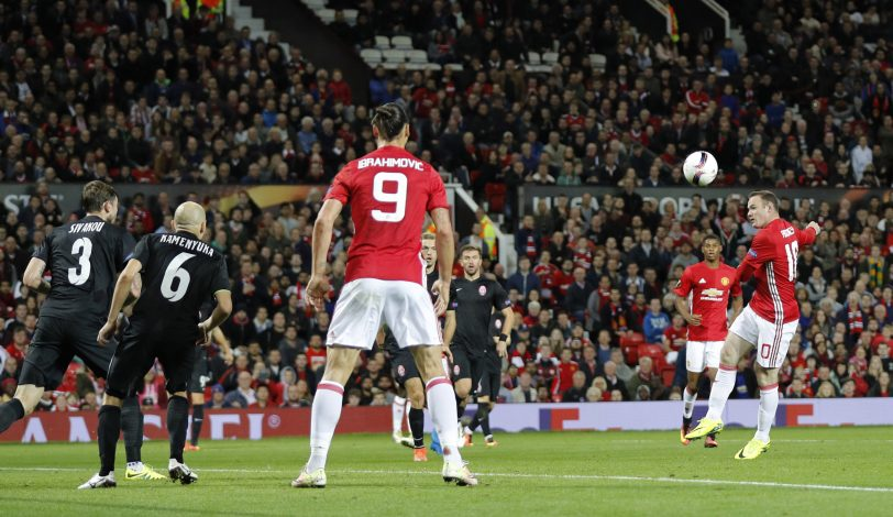 Britain Soccer Football - Manchester United v FC Zorya Luhansk - UEFA Europa League Group Stage - Group A - Old Trafford, Manchester, England - 29/9/16 Manchester United's Wayne Rooney shoots before Zlatan Ibrahimovic scored their first goal Reuters / Darren Staples Livepic EDITORIAL USE ONLY. - RTSQ3QH