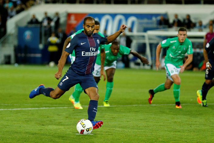 Football Soccer - Paris St Germain v St Etienne - French Ligue 1 - Parc des Princes stadium, Paris, France - 9/9/2016. Paris St Germain's Lucas Moura scores their first goal on a penalty kick. REUTERS/Benoit Tessier - RTX2OVZH