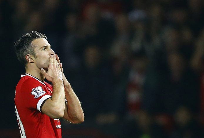 "Manchester United's Robin van Persie celebrates his goal against Hull City during their English Premier League soccer match at Old Trafford in Manchester, northern England, November 29, 2014. REUTERS/Darren Staples (BRITAIN - Tags: SPORT SOCCER) NO USE WITH UNAUTHORIZED AUDIO, VIDEO, DATA, FIXTURE LISTS, CLUB/LEAGUE LOGOS OR ""LIVE"" SERVICES. ONLINE IN-MATCH USE LIMITED TO 45 IMAGES, NO VIDEO EMULATION. NO USE IN BETTING, GAMES OR SINGLE CLUB/LEAGUE/PLAYER PUBLICATIONS. FOR EDITORIAL USE ONLY. NOT FOR SALE FOR MARKETING OR ADVERTISING CAMPAIGNS - RTR4G2EZ"
