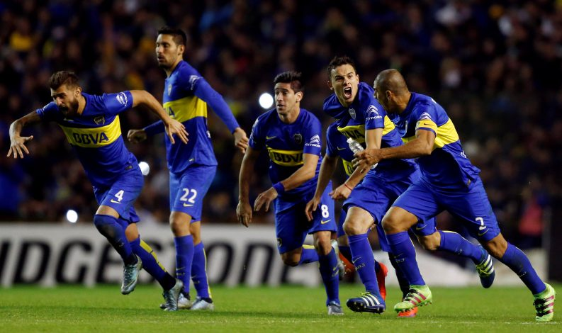 Football Soccer - Boca Juniors v Nacional - Copa Libertadores - Alberto J. Armando stadium, Buenos Aires, Argentina 19/5/16. Boca Juniors' players react after winning the penalty shoot out against Nacional. REUTERS/Marcos Brindicci - RTSF2ZV