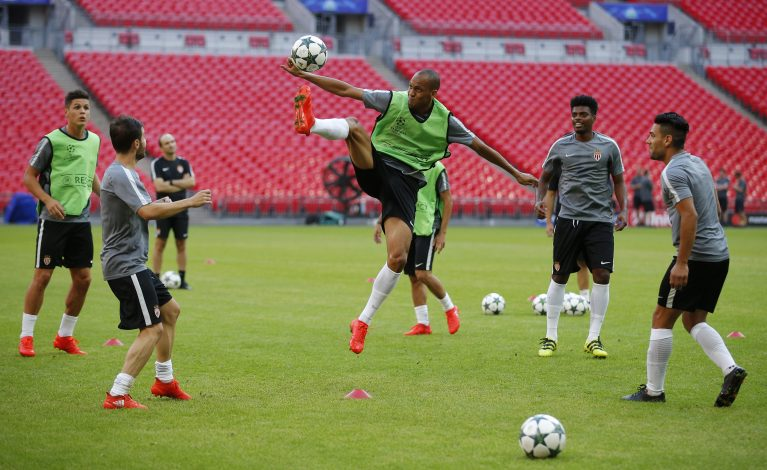 Football Soccer Britain - AS Monaco Training - Wembley Stadium, London, England - 13/9/16 Monaco's Fabinho (C) during training Action Images via Reuters / Andrew Couldridge Livepic EDITORIAL USE ONLY. - RTSNKKG