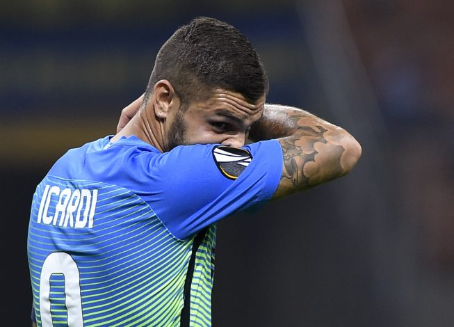 Soccer Football - Inter Milan vs Hapoel Be'er Sheva - UEFA Europa League Group Stage - Group K - San Siro, Milan, Italy - 15/9/16 Inter Milan's Mauro Icardi looks dejected Reuters / Giorgio Perottino Livepic EDITORIAL USE ONLY. - RTSNY1N