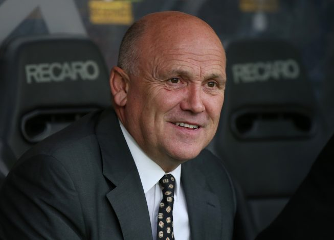 Britain Soccer Football - Hull City v Chelsea - Premier League - The Kingston Communications Stadium - 1/10/16 Hull City caretaker manager Mike Phelan before the game Reuters / Scott Heppell Livepic EDITORIAL USE ONLY. - RTSQBC9