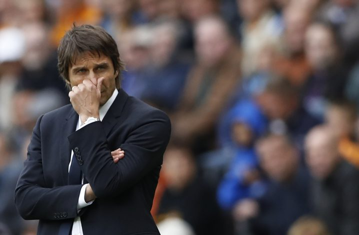 Britain Soccer Football - Hull City v Chelsea - Premier League - The Kingston Communications Stadium - 1/10/16 Chelsea manager Antonio Conte looks dejected  Action Images via Reuters / Carl Recine Livepic EDITORIAL USE ONLY. - RTSQBR7