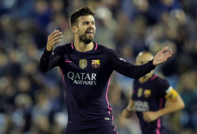 Football Soccer - Spanish Liga Vigo - Celta Vigo v FC Barcelona - Balaidos, Vigo, Spain - 02/10/16 FC Barcelona's Gerard Pique celebrates his goal against Celta Vigo. REUTERS/Miguel Vidal - RTSQG2V