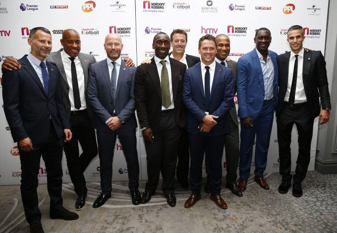 Football Soccer Britain - Premier League Legends of Football Charity Event - Grosvenor House Hotel, Park Lane, London - 5/10/16 Former Premier League players who scored 100 or more premier league goals Ryan Giggs, Dion Dublin, Alan Shearer, Jimmy Floyd Hasselbaink, Matt Le Tissier, Michael Owen, Les Ferdinand, Emile Heskey and Robin van Persie pose as they arrive for the Premier League Legends of Football charity event. Action Images via Reuters / Peter Cziborra Livepic EDITORIAL USE ONLY. - RTSQXDS
