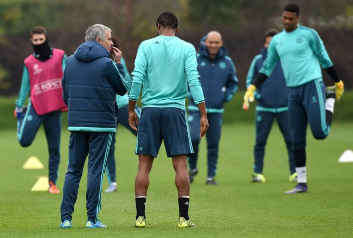 Football - Chelsea Training - Chelsea Training Ground - 3/11/15 Chelsea manager Jose Mourinho speaks with John Obi Mikel during training Action Images via Reuters / Tony O'Brien Livepic EDITORIAL USE ONLY. - RTX1UJ3C