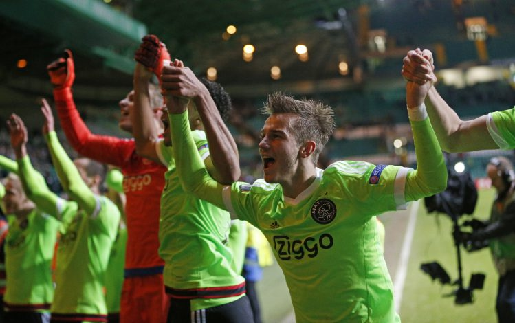 Football Soccer - Celtic v Ajax Amsterdam - UEFA Europa League Group Stage - Group A - Celtic Park, Glasgow, Scotland - 26/11/15 Ajax's Vaclav Cerny celebrates with team mates at the end of the match Reuters / Russell Cheyne Livepic EDITORIAL USE ONLY. - RTX1W0YA