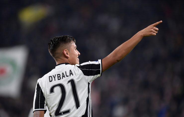 Football - Soccer - Juventus v Udinese - Italian Serie A - Juventus Stadium, Turin, Italy - 15/10/2016. Juventus' Paulo Dybala celebrates his second goal. REUTERS/Giorgio Perottino - RTX2OZRY