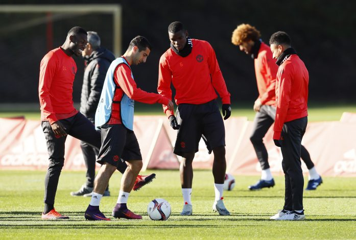 Britain Football Soccer - Manchester United Training - Manchester United Training Ground - 19/10/16 Manchester United's Timothy Fosu-Mensah, Henrikh Mkhitaryan, Paul Pogba and Jesse Lingard during training Action Images via Reuters / Jason Cairnduff Livepic EDITORIAL USE ONLY. - RTX2PH85