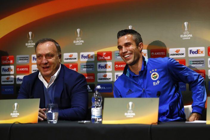 Britain Football Soccer - Fenerbahce SK Press Conference - Old Trafford, Manchester, England - 19/10/16 Fenerbahce coach Dick Advocaat and Robin van Persie during the press conference Action Images via Reuters / Jason Cairnduff Livepic EDITORIAL USE ONLY. - RTX2PKLI