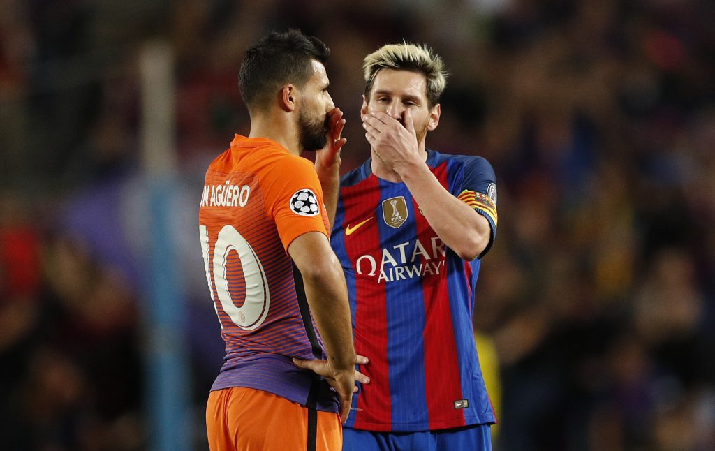 Football Soccer - FC Barcelona v Manchester City - UEFA Champions League Group Stage - Group C - The Nou Camp, Barcelona, Spain - 19/10/16 Barcelona's Lionel Messi speaks with Manchester City's Sergio Aguero  Action Images via Reuters / John Sibley Livepic EDITORIAL USE ONLY. - RTX2PL0O