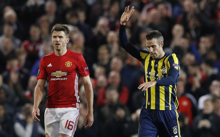 Britain Football Soccer - Manchester United v Fenerbahce SK - UEFA Europa League Group Stage - Group A - Old Trafford, Manchester, England - 20/10/16 Fenerbahce's Robin van Persie celebrates scoring their first goal as Manchester United's Michael Carrick looks on Reuters / Phil Noble Livepic EDITORIAL USE ONLY. - RTX2PS0T
