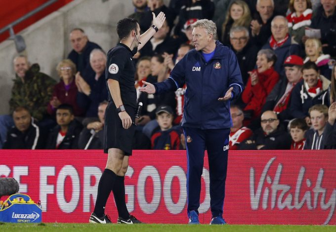 "Football Soccer Britain - Southampton v Sunderland - EFL Cup Fourth Round - St Mary's Stadium - 26/10/16 Sunderland manager David Moyes gestures to referee Chris Kavanagh Action Images via Reuters / Andrew Couldridge Livepic EDITORIAL USE ONLY. No use with unauthorized audio, video, data, fixture lists, club/league logos or ""live"" services. Online in-match use limited to 45 images, no video emulation. No use in betting, games or single club/league/player publications. Please contact your account representative for further details. - RTX2QLYK"