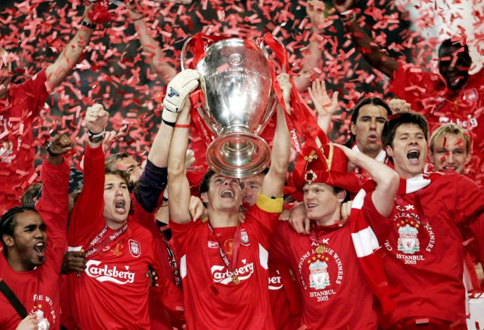 Football Soccer - Liverpool v AC Milan UEFA Champions League Final - Ataturk Olympic Stadium, Istanbul - 25/5/05 Liverpool's Steven Gerrard lifts the Champions League trophy with his team mates celebrating around him Mandatory Credit: Action Images / Darren Walsh Livepic - RTST4FA