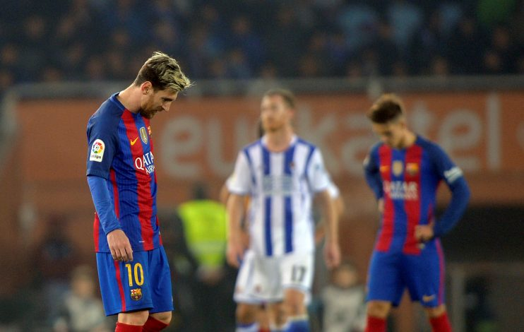 Football Soccer - Real Sociedad v Barcelona - Spanish Liga Santander - Anoeta, San Sebastian, Spain - 27/11/2016 Barcelona's Lionel Messi reacts. REUTERS/Vincent West - RTSTKPT