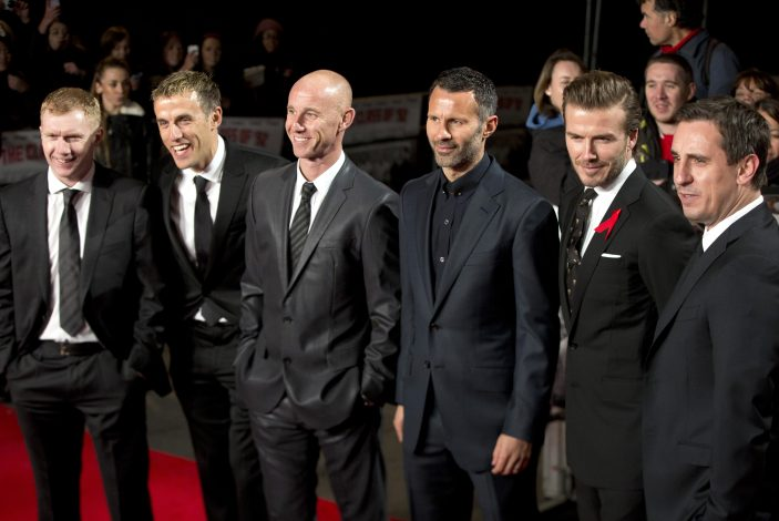 """Soccer players (L-R) Paul Scholes, Phil Neville, Ryan Giggs, Nicky Butt, David Beckham and Gary Neville attend the world premier of the film """"The Class of 92"""" in London December 1, 2013. REUTERS/Neil Hall (BRITAIN - Tags: ENTERTAINMENT SPORT SOCCER) - RTX1609N"""