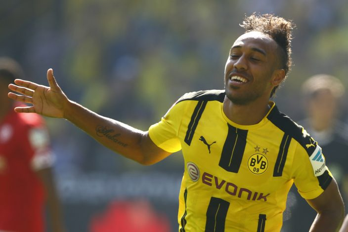 Football Soccer - Borussia Dortmund v FSV Mainz 05 - German Bundesliga - Signal Iduna Park , Dortmund, 27/08/16. Borussia Dortmund's Pierre-Emerick Aubameyang celebrates after scoring a goal against FSV Mainz 05  REUTERS/Thilo Schmuelgen      DFL RULES TO LIMIT THE ONLINE USAGE DURING MATCH TIME TO 15 PICTURES PER GAME. IMAGE SEQUENCES TO SIMULATE VIDEO IS NOT ALLOWED AT ANY TIME. FOR FURTHER QUERIES PLEASE CONTACT DFL DIRECTLY AT + 49 69 650050 - RTX2N9FJ