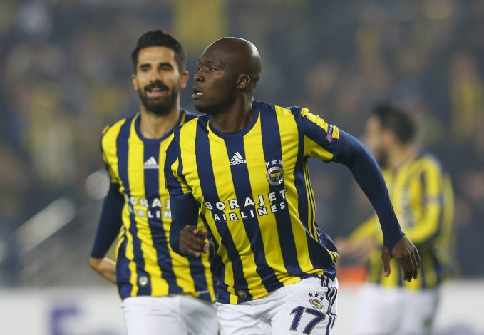 Football Soccer - Fenerbahce SK v Manchester United - UEFA Europa League Group Stage - Group A - SK Sukru Saracoglu Stadium, Istanbul, Turkey - 3/11/16 Fenerbahce's Moussa Sow celebrates scoring their first goal Reuters / Murad Sezer Livepic EDITORIAL USE ONLY. - RTX2RRYM