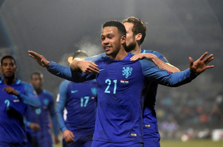 Football Soccer - Luxembourg v Netherlands - World Cup 2018 Qualifier - Josy Barthel Stadion, Luxembourg - 13/11/16 Netherland's Memphis Depay celebrates his goal. REUTERS/Eric Vidal - RTX2TH5P