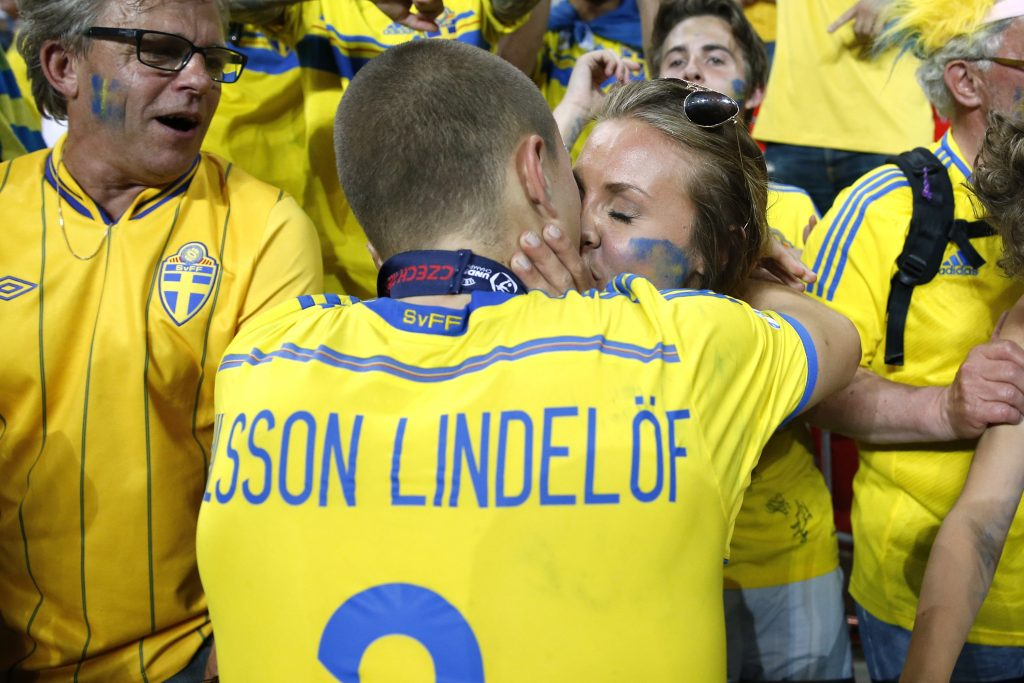 Sweden's Victor Lindelof celebrates their win.