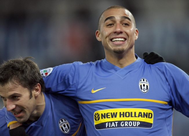 Juventus' Alessandro Del Piero (R) celebrates with his teammate David Trezeguet after scoring against Lazio during their Italian Serie A soccer match at the Olympic stadium in Rome December 15, 2007. REUTERS/Giampiero Sposito (ITALY) - RTX4RUG