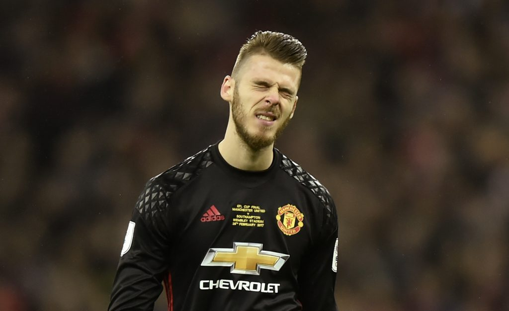 Manchester United's David De Gea looks dejected.
