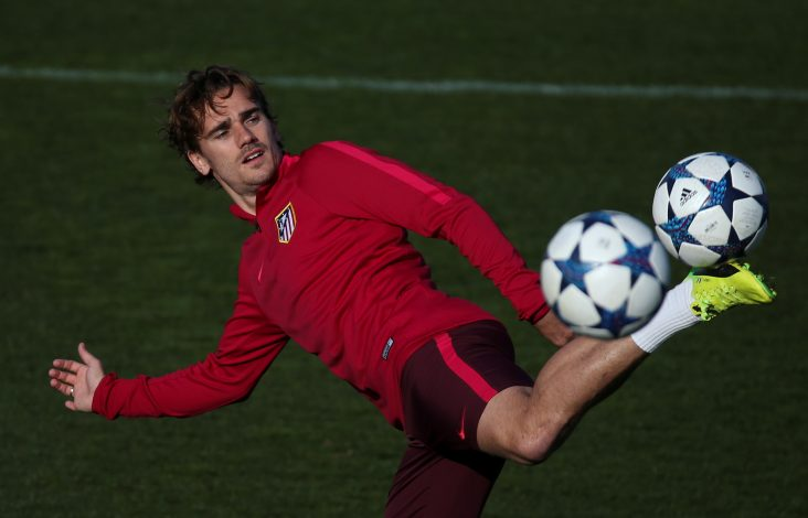 Atletico Madrid's Antoine Griezmann controls the ball during training.
