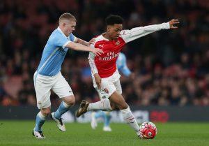 Arsenal's Chris Willock and Manchester City's Jacob Davenport.