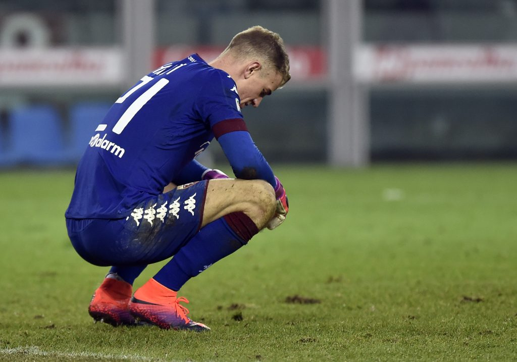 Torino's goalkeeper Joe Hart reacts.