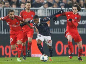 Malcolm of Girondins Bordeaux (C) in action during his match against Paris Saint germain.