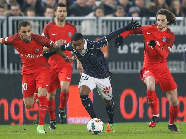 Malcolm of Girondins Bordeaux (C) in action during his match against Paris Saint germain.