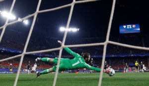 Manchester United's David De Gea makes a save.