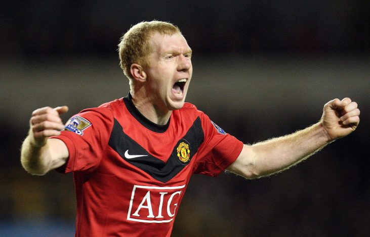 Paul Scholes celebrates after scoring Manchester United's first goal.