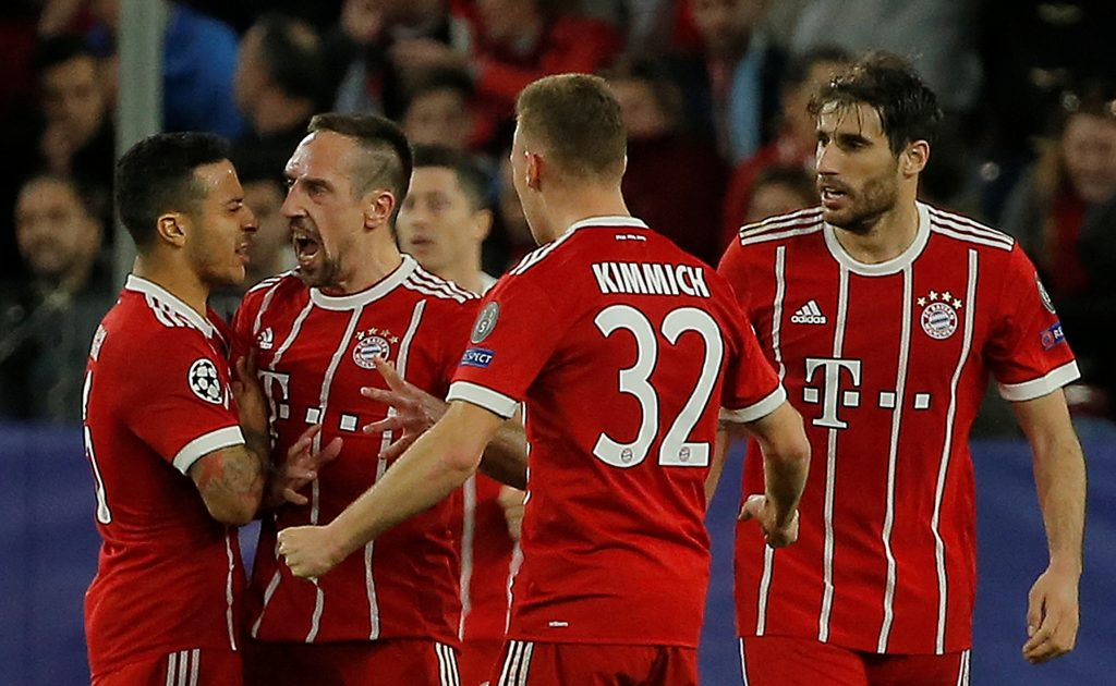 Bayern Munich's Franck Ribery celebrates with Thiago Alcantara, Joshua Kimmich and Javi Martinez.