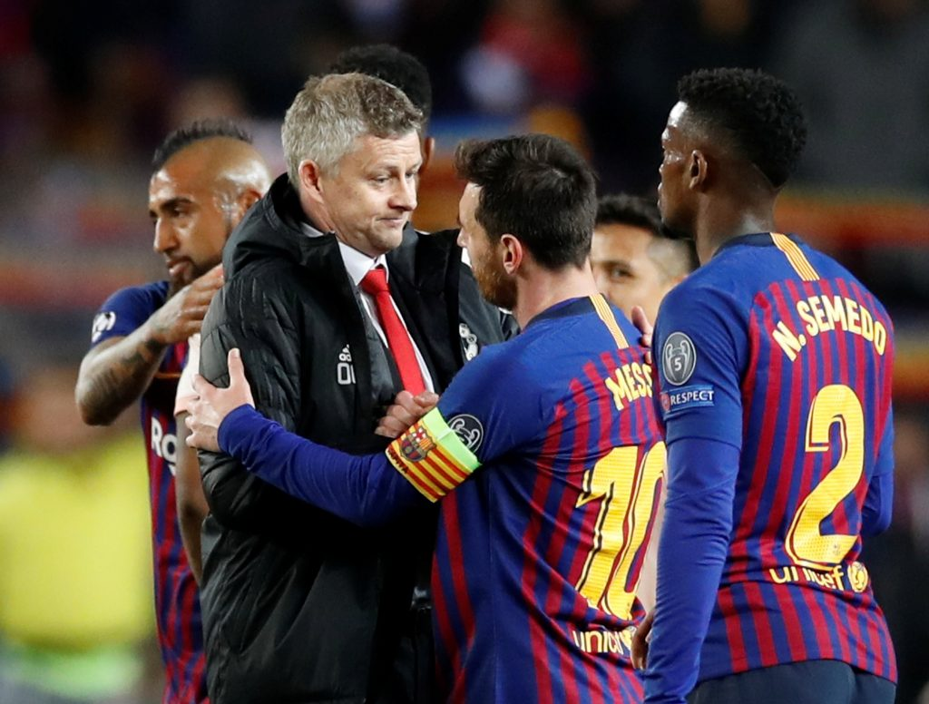 Soccer Football - Champions League Quarter Final Second Leg - FC Barcelona v Manchester United - Camp Nou, Barcelona, Spain - April 16, 2019  Manchester United manager Ole Gunnar Solskjaer with Barcelona's Lionel Messi after the match        Action Images via Reuters/Carl Recine - RC1355DFD950