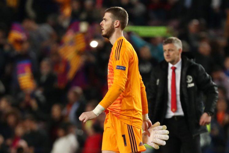 Manchester United's David de Gea looks dejected.