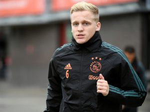 Donny van de Beek during training.