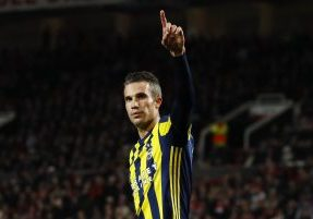 Britain Football Soccer - Manchester United v Fenerbahce SK - UEFA Europa League Group Stage - Group A - Old Trafford, Manchester, England - 20/10/16 Fenerbahce's Robin van Persie celebrates scoring their first goal  Action Images via Reuters / Jason Cairnduff Livepic EDITORIAL USE ONLY. - RTX2PS0Q